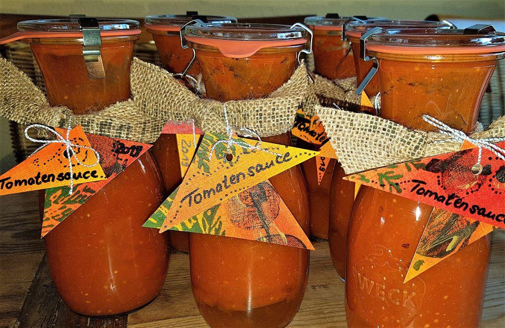 Tomaten als Weihnachtsgeschenk, Tomatensauce verschenken, Geschenktipp mit Tomaten